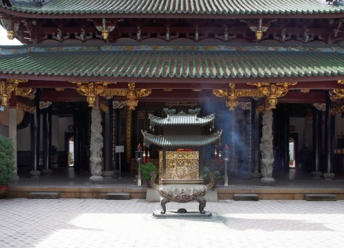Thian Hock Kheng Temple in Chinatown, Singapore