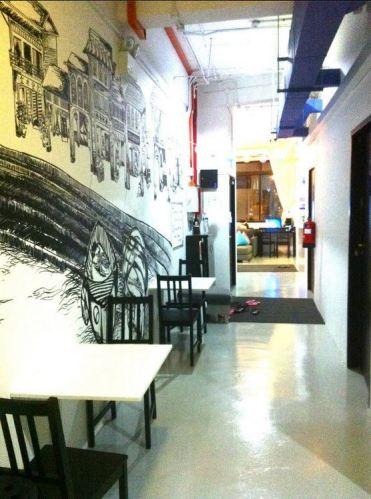 Five Stones Hostel Singapore Corridor