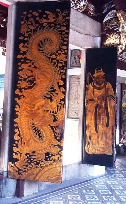 Large paintings at Thian Hock Kheng Temple in Singapore