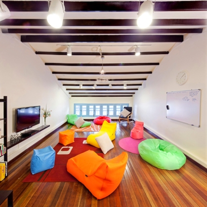 Matchbox Hostel's Loft - modern and really colourful
