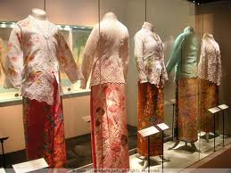 Sarong Kebaya of the Singaporean Peranakans