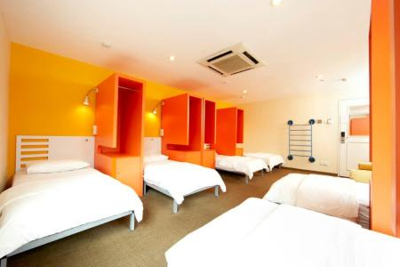 hangout@mtemily singapore bunk beds